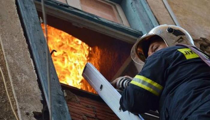 Ηράκλειο: Σπίτι παραδόθηκε στις φλόγες απο φωτιά που ξεκίνησε στο πατάρι