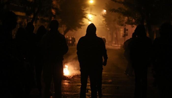 Επίθεση αντιεξουσιαστών με μολότοφ σε αστυνομικούς (βιντεο)