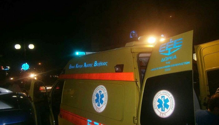 Ανετράπη αυτοκίνητο σε τροχαίο στο κέντρο του Ηρακλείου