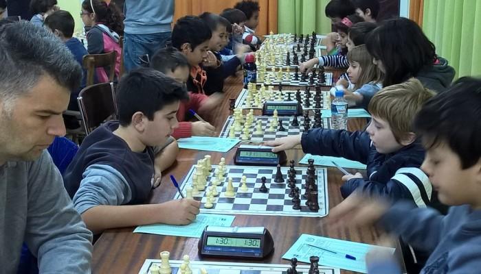 Μαθήματα σκάκι στον ΟΑΧ