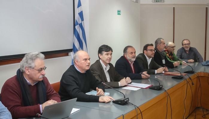 Σχολεία στο Ηράκλειο επισκέφτηκε ο Υφυπουργός Μπαξεβανάκης
