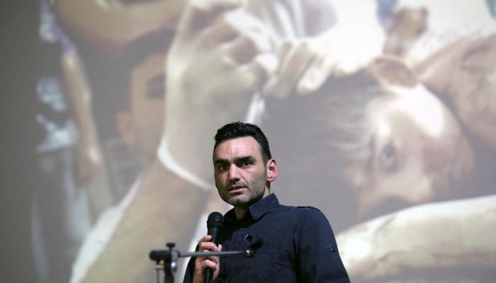 Πραγματοποιήθηκαν τα εγκαίνια της έκθεσης του Άρη Μεσσήνη «War in Peace»