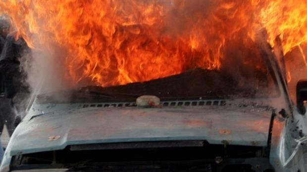 Πυρκαγιά σε σταθμευμένο αγροτικό αυτοκίνητο στο Ηράκλειο