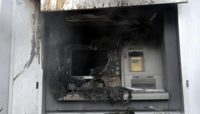Φωτιά σε δύο ΑΤΜ της Eurobank τα μεσάνυχτα στα Χανιά