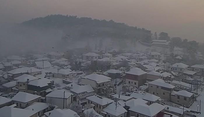 Εκπληκτικό βίντεο από τη χιονισμένη λίμνη των Ιωαννίνων