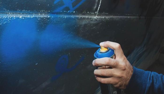 Συμπαρίσταται στους διωκόμενους καλλιτέχνες γκράφιτι η Ένωση Γονέων Χανίων