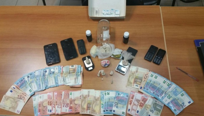 Δύο συλλήψεις για διακίνηση ηρωίνης - Θα
