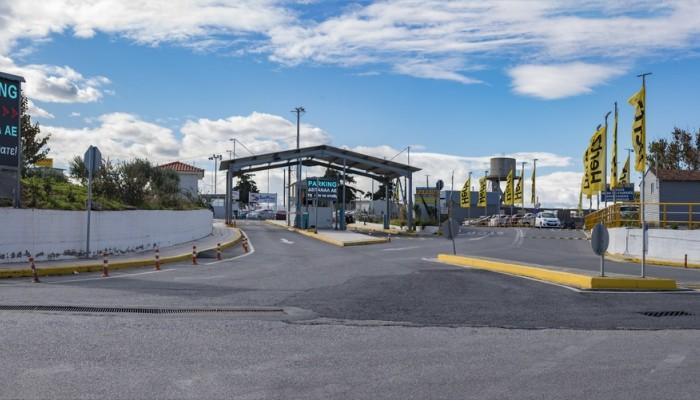 Ηλεκτρονικές πινακίδες στο δημοτικό πάρκινγκ του αεροδρομίου «Ν.Καζαντζάκης