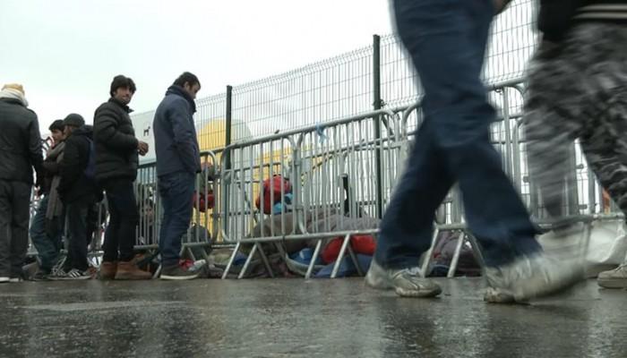 Η Αυστρία «μπλοκάρει» πρόσφυγες
