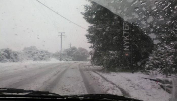 Οδοιπορικό στους χιονισμένους δρόμους του Ακρωτηρίου (φωτο)