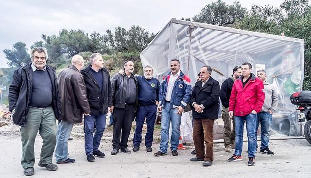Συνεχίστηκε για 12η ημέρα το μπλόκο των αγροτών στα Μ.Χωράφια