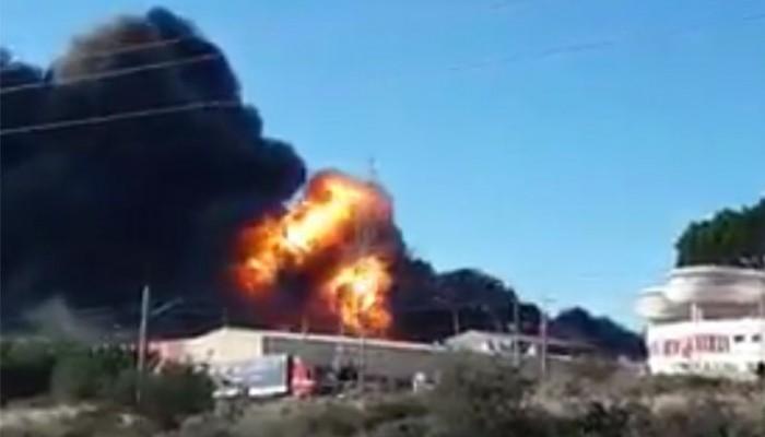 Μεγάλη έκρηξη σε εργοστάσιο χημικών στη Βαλένθια