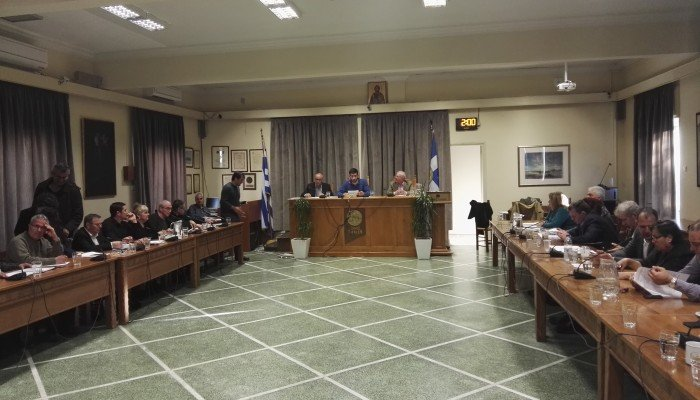 Ο κανονισμός των κοινόχρηστων χώρων στο Δημοτικό Συμβούλιο Χανίων