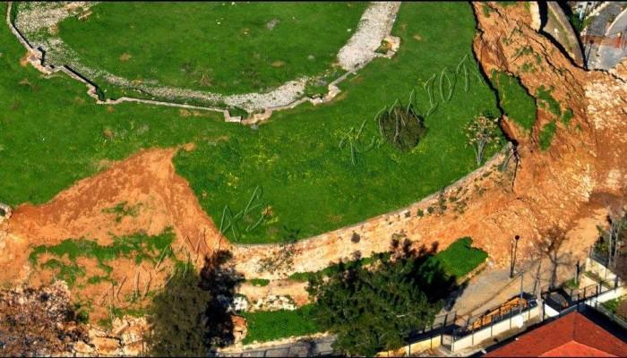 Ο επιπρομαχώνας του Αγ. Δημητρίου από ψηλά μετά την κατολίσθηση (φωτο)