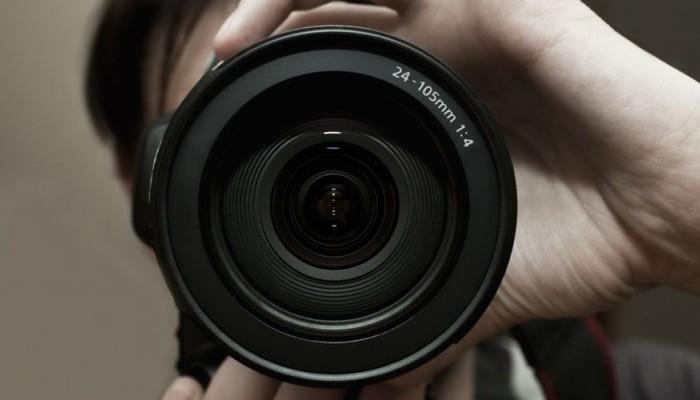 Ένας «κλέφτης» δίνει το βραβείο στον Χανιώτη φωτογράφο Νίκο Μπασιά
