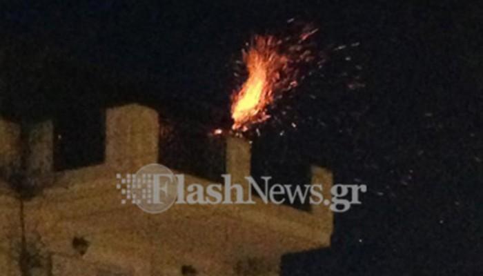 Άρπαξε φωτιά η καμινάδα σε τζάκι στα Χανιά (φωτο)