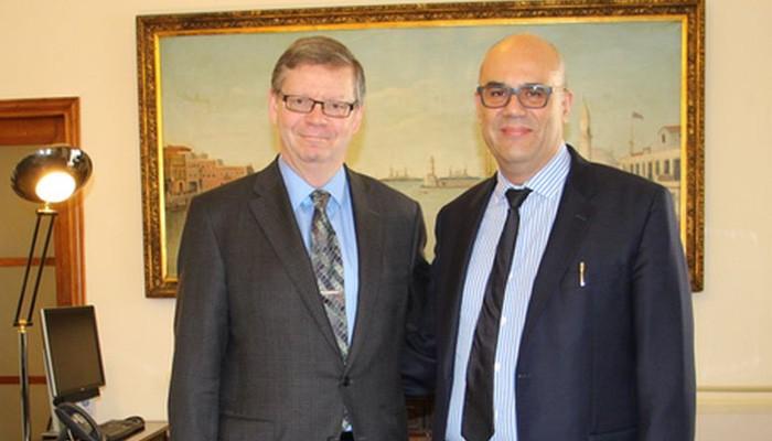 Εθιμοτυπική επίσκεψη του Καναδού Πρέσβη στον Δήμαρχο Χανίων