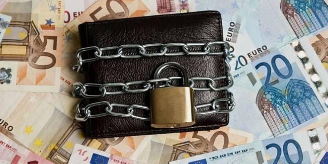 Προσφυγή στο ΣτΕγια τον ακατάσχετο επιχειρηματικό λογαριασμό