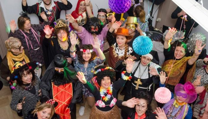 Διασκέδαση και χορός στο μασκέ πάρτι των εθελοντών του Ορίζοντα Χανίων