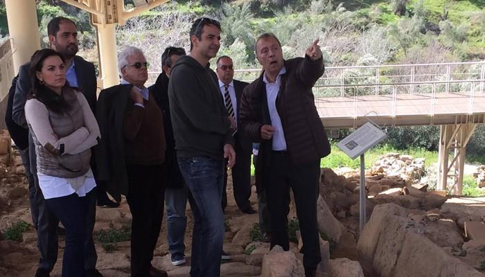 Στην Αρχαία Ελεύθερνα ξεναγήθηκε ο Κυριάκος Μητσοτάκης (φωτο)