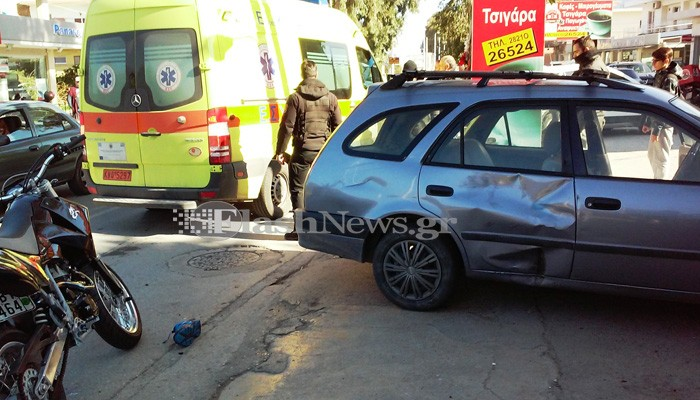 Τροχαίο με σύγκρουση αυτοκινήτου - μηχανής στα Χανιά (φωτο)