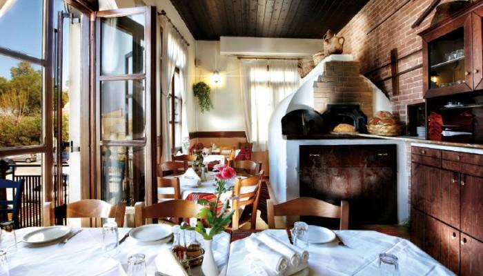 Τα εστιατόρια της Κρήτης που βραβεύτηκαν με χρυσούς σκούφους!