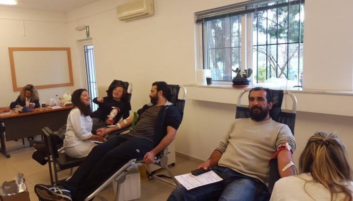 Σε εθελοντική αιμοδοσία μαθητές και καθηγητές του Εσπερινού ΕΠΑΛ Πλατανιά