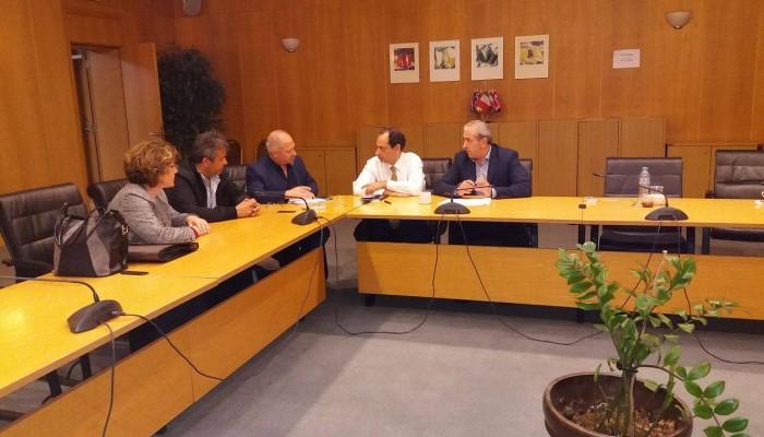 Συνάντηση Βαρδάκη για το αεροδρόμιο Ηρακλείου
