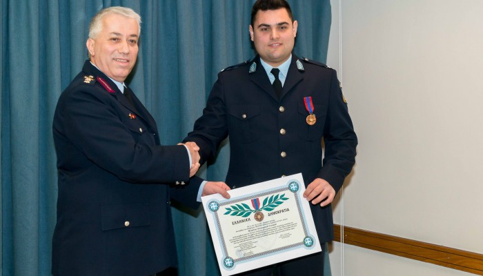 Ο Θεσσαλονικιός Αστυνομικός που βραβεύτηκε για το θάρρος του