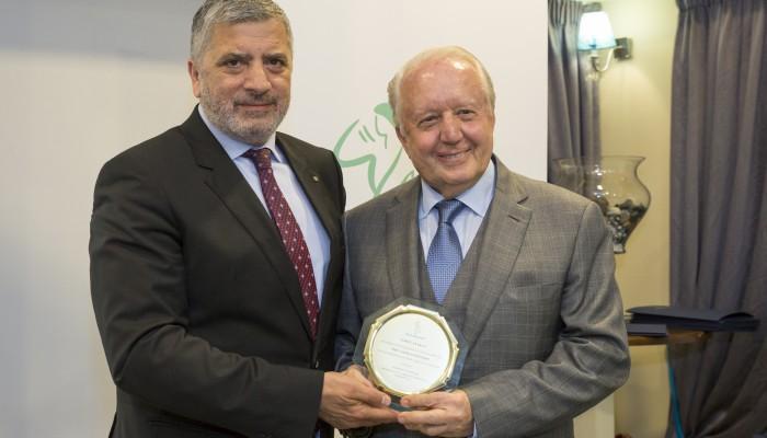 Απένειμε τιμητική πλακέτα στον κ. Νίκο Δασκαλαντωνάκη ο δήμος Αμαρουσίου