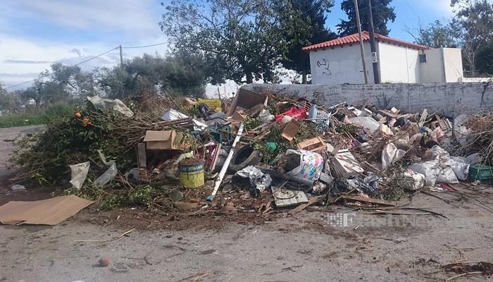 Νεκροταφείο....σκουπιδιών στα Χανιά (φωτο)