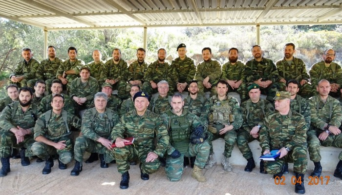 Ο Αρχηγός ΓΕΣ στα Χανιά και οι βολές από τους εθνοφύλακες στην Αγιά! (φωτό)