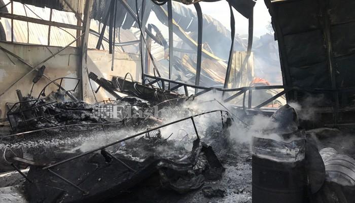 Κάηκε ολοσχερώς ναυπηγείο στο Γαβαλοχώρι Αποκορώνου στα Χανιά (φωτο)