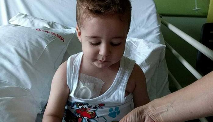 Έκκληση ενός πατέρα για το παιδί του που πάσχει από λευχαιμία