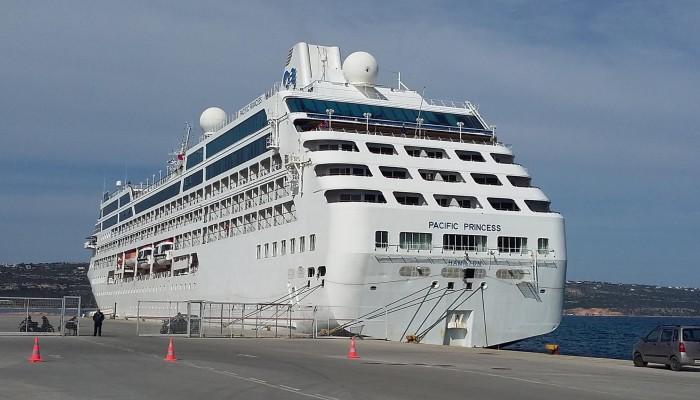 Δύο κρουαζιερόπλοια με συνολικά 1700 επιβάτες έδεσαν σήμερα στην Σούδα