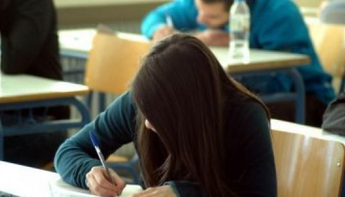 Πανελλαδικές εξετάσεις: Τα θέματα & οι απαντήσεις για τη Νεοελληνική Γλώσσα