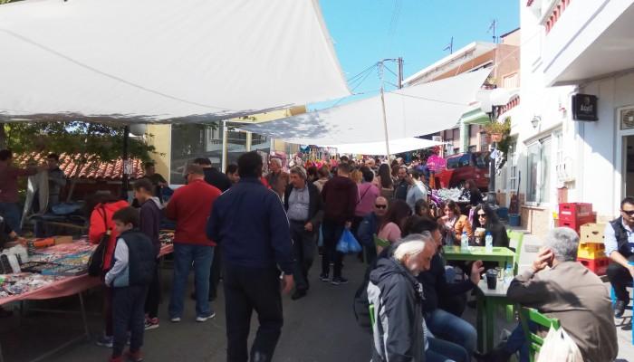 Πλήθος κόσμου στο παζάρι στις Βουκολιές του Δήμου Πλατανιά (φωτο)