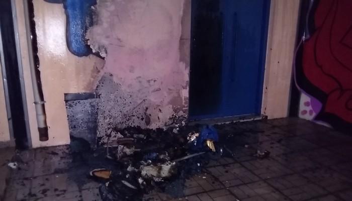 Φωτιά στον χώρο του Λυκείου Σούδας αναστάτωσε τη γειτονιά