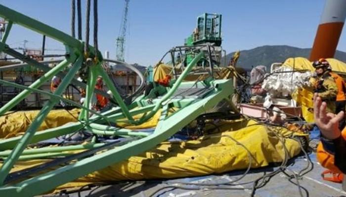 Τραγωδία στη Ν.Κορέα: Γερανός 32 τόνων καταπλάκωσε έξι εργάτες σε ναυπηγείο