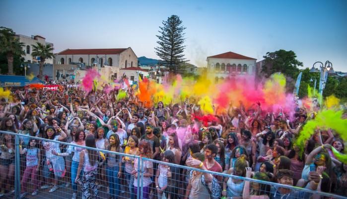 Όλο το Ρέθυμνο σε ρυθμούς Holi Fest Crete το περασμένο Σάββατο (φωτό)