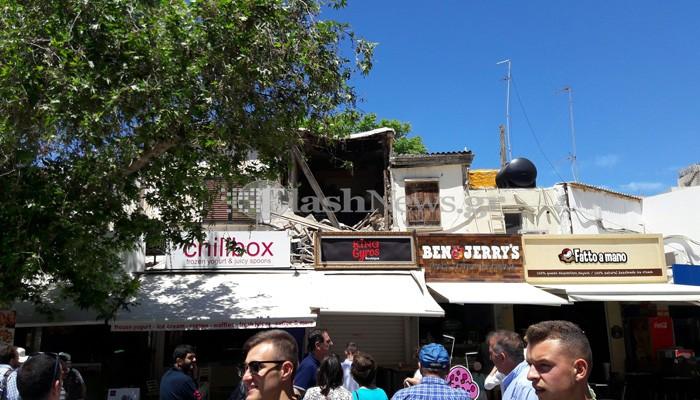 Το κτίριο κατέρρεε και οι τουρίστες το... χάζευαν!