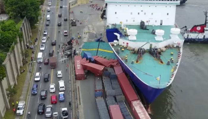 Ισχυρή πρόσκρουση του πλοίου ΚΥΔΩΝ σε προβλήτα του Άγιου Δομήνικου (βίντεο)