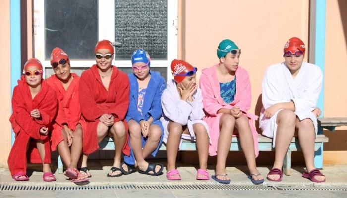 ΝΟΧ: Γιορτή κολύμβησης και ευχές για τις Πανελλήνιες