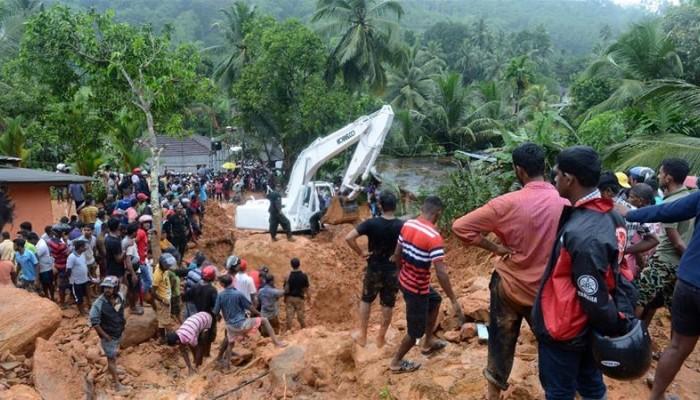 Σρι Λάνκα: Τουλάχιστον 122 νεκροί από τις πλημμύρες και τις κατολισθήσεις