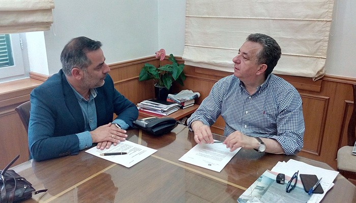 Συνάντηση Περιφερειάρχη με τον Δήμαρχο Οροπεδίου