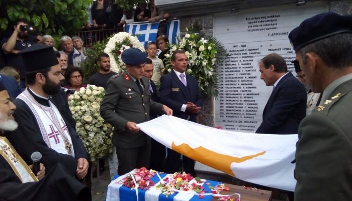 Με τιμές ήρωα η ταφή του Μανούσου Τριανταφυλλίδη στις Ποταμιές Πεδιάδος