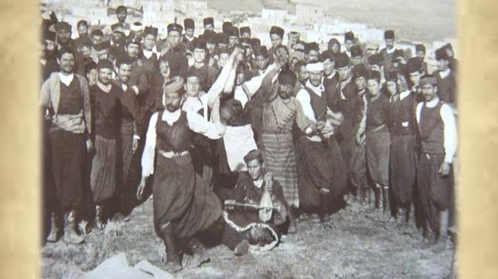 Ψηφίδες Κρητικής Ιστορίας: «Κρητών Χοροστάσια»