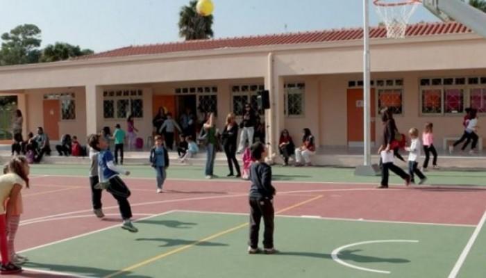 Ανησυχία προκλήθηκε για άνδρα που βρισκόταν έξω από σχολείο στην Κίσαμο