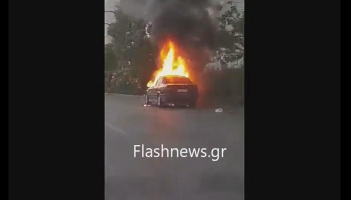 Παρανάλωμα του πυρός έγινε αυτοκίνητο στη λεωφόρο Συγγρού (βίντεο)