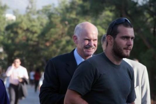 Ο γιος του Γιώργου Παπανδρέου επέστρεψε στην Κρήτη για να δουλέψει